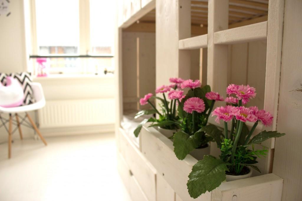 Lamp Kinderkamer Paars : Een kijkje in de kinderkamer van bloem mama is thuis